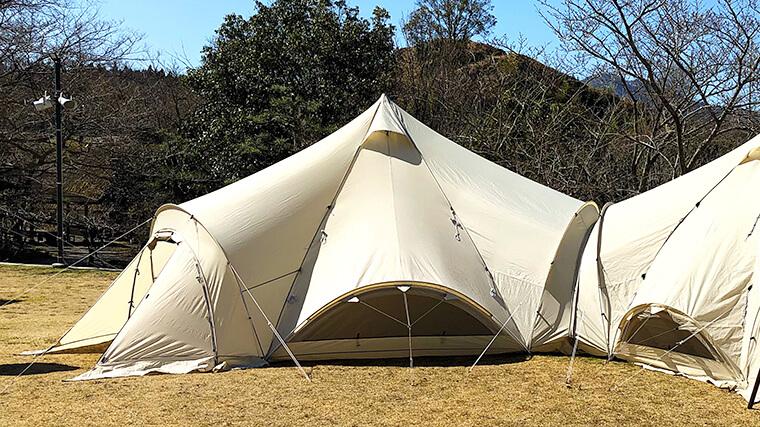 設営されたテント
