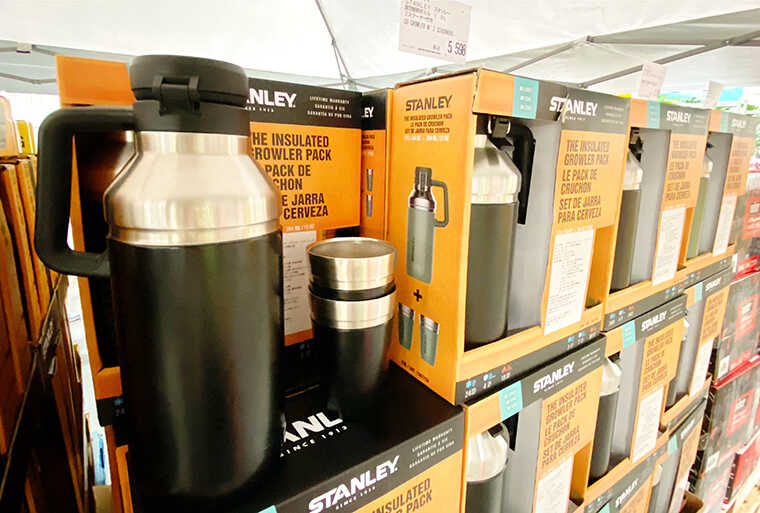 STANLEYの真空断熱ボトル画像