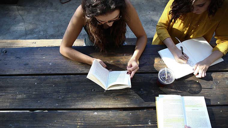 高校で留学するメリットのイメージ画像